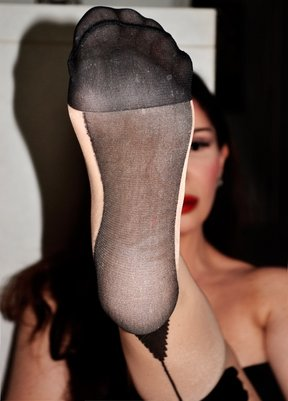 Foot Worship Escort And Dominatrix In London